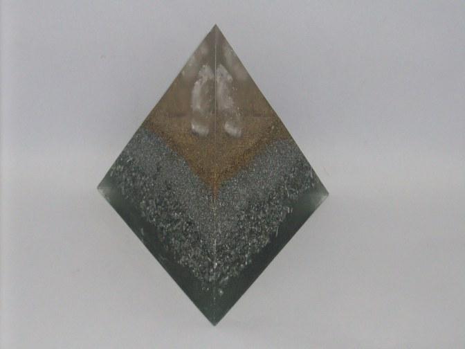 Orgonito Pirámide Tetraédrica Grande