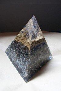 Orgonito Piramide Tetraédrica Grande